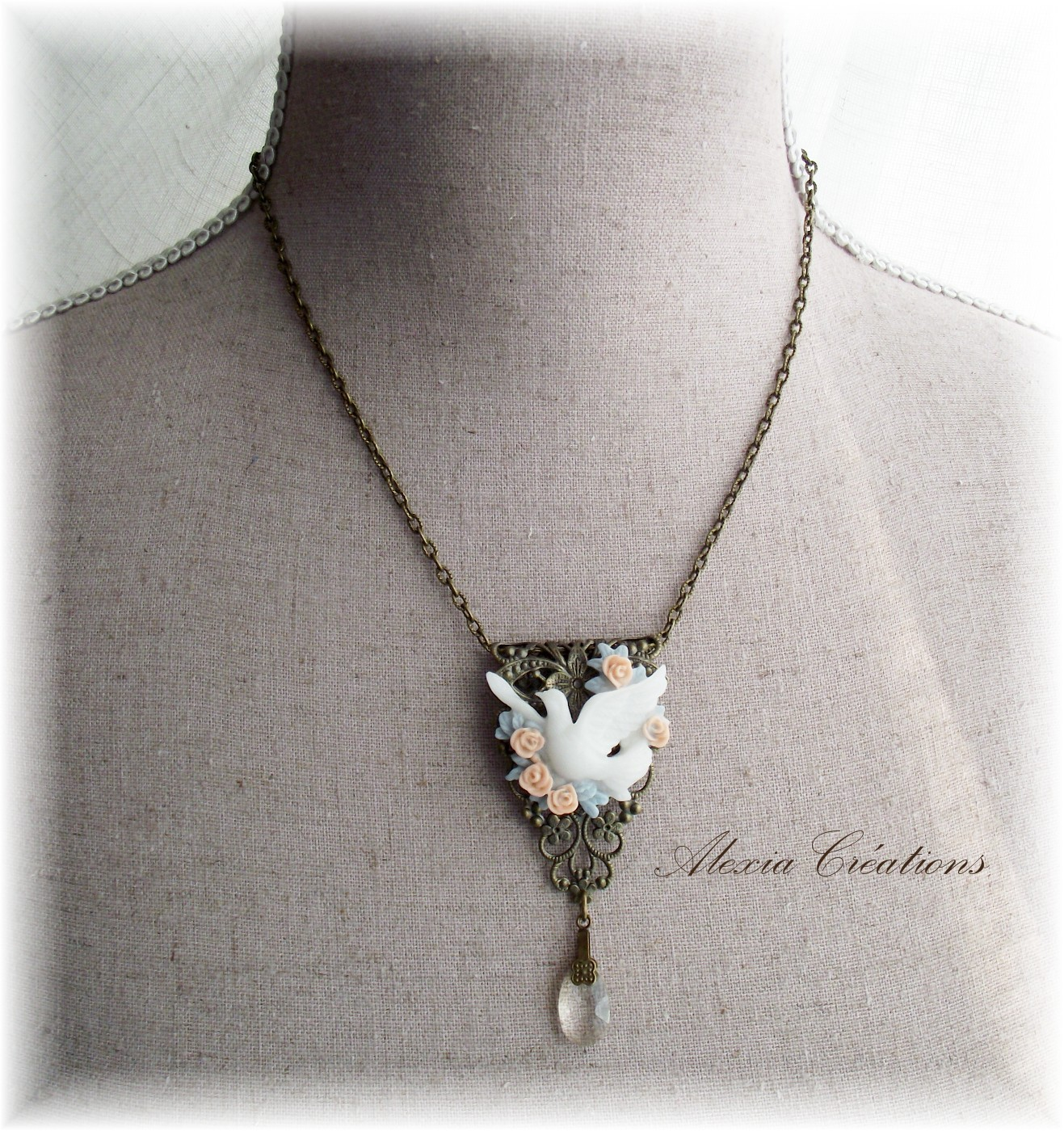 Collier Roses et Colombe, version bronze